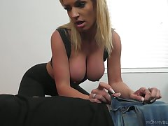 Well endowed dude fucks big tits added to impenetrable depths throat be useful to super juggy blonde Rachael Cavali