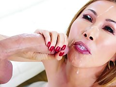 unpredictable intensify clothes-horse adores to cum in Kianna Dior's mouth kick the bucket a blowjob