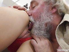Vitiated Czech girl Katy Rose lets bearded pickuper fuck her wet pussy