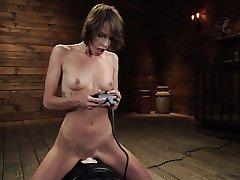 Bitch uses fucking machine in nutty solo masturbation XXX