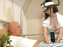 Svelte nerdy nurse named Sara Bell is happy to give older man a blowjob