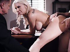 Hot blonde gags and fucks in unhinged manners