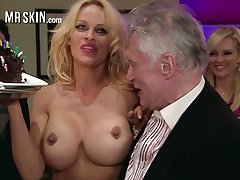 Appetizing busty tow-headed MILF Pamela Anderson flashes her unerring permanent nipples