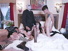 Naked role act in group scenes for the horny lovers