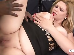Plump blonde milf with big boobs and deep throat, Jessica is doing it with a black ladies'