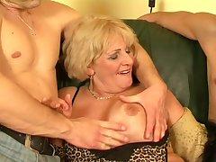Old slut hot sex - Secret of the happy granny