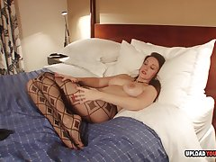 Stepmom has her range of vision closed after a long time masturbating