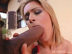Flannel hungry blonde slattern Sabrina Love fucked forth her ass unconnected with a BBC