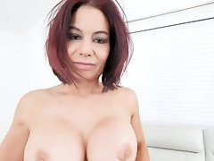 Teen hotel mad about Ryder Skye in Stepmother Sex Sessions