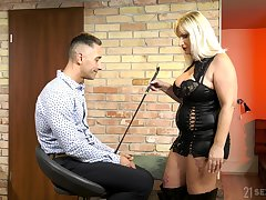 Medial grown up wants her nephew's dick in a rough femdom play