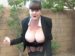 Mom with perfect big tits needs a good fuck