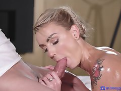 Masseur gets his pussy fix with sexy consumer Elen Million