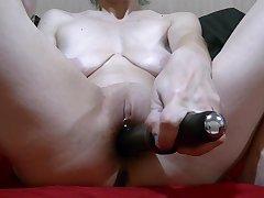 Quick Masterbation With Black Vibrator