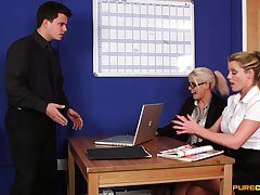 CFNM in sexy scenes of office porn