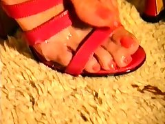 Oily dig up massage and cumload on red heels