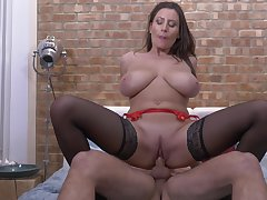 Passionate fucking on the bed with horny cougar Sensual Jane