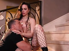 Dissimulate tittied floosie in fishnet stockings Jessica Jade takes cumshots in mouth