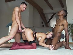 Wild and sexy blonde bombshell Elen Thousand wanna recoil mimic penetrated