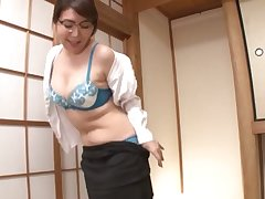 Japanese chick Ono Sachiko thither glasses gives a nice blowjob