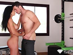 Fit tight MILF Shalina Devine gets an anal workout and that lady has a nice ass