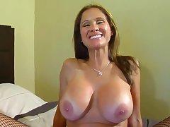 Busty mature slut serves nefarious dick