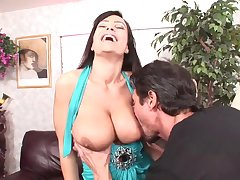 Obese dicked guy has fun with busty porn babe Lisa Ann